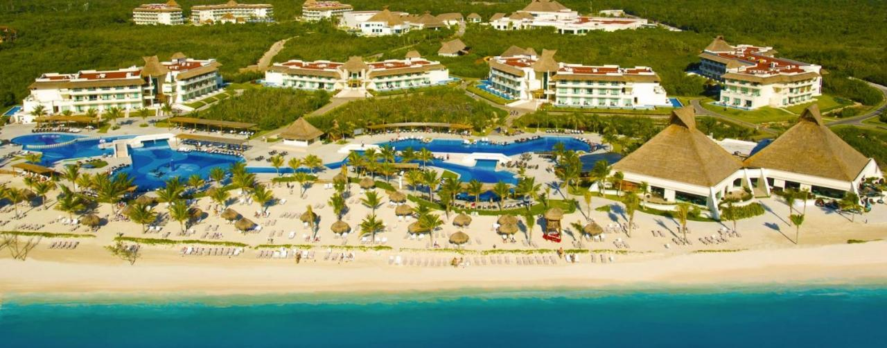 Blue Bay Grand Esmeralda Beach Resort Riviera Maya Mexico