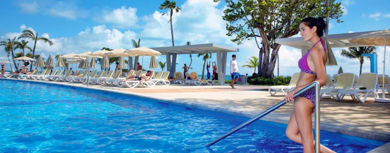 Cancun Mexico Riu Palace Peninsula Pool Loung Chair Umbrella