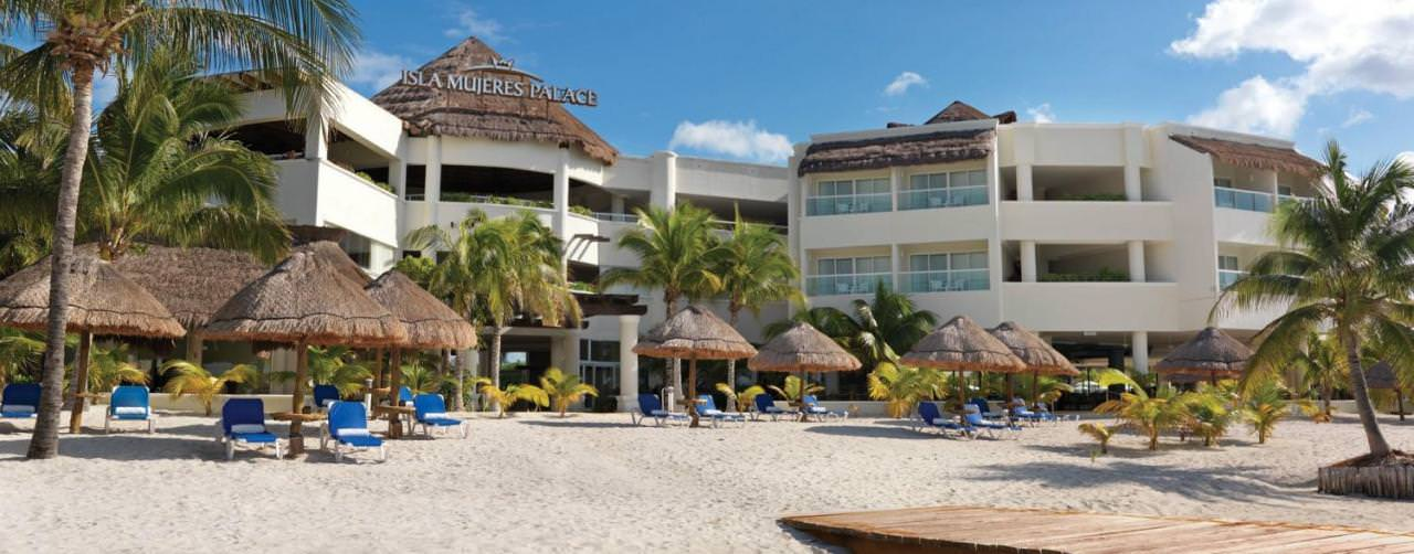 how to go to isla mujeres from cancun hotel zone