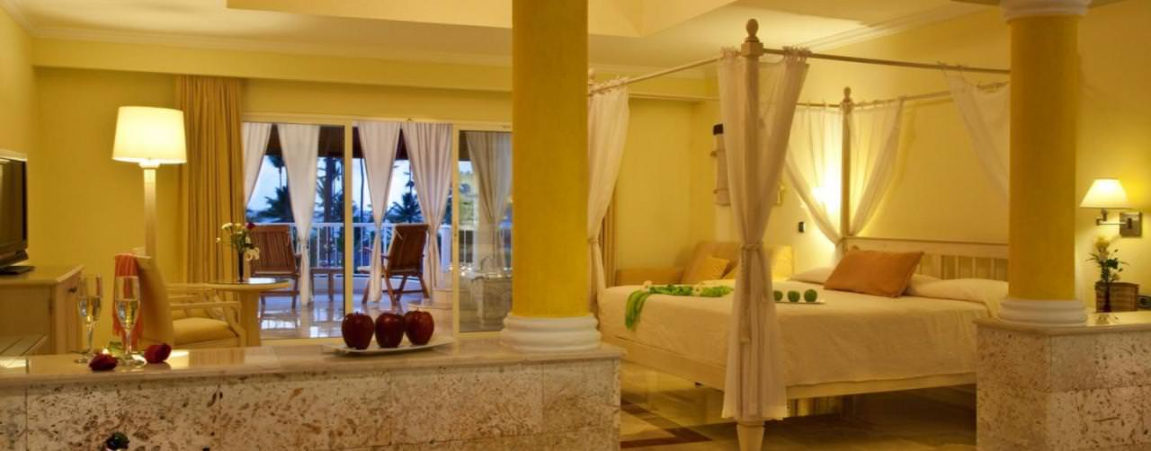 Punta Cana Dominican Republic Royal Suites Turquesa By Palladium Room Honeymoon Suite King Canopy Bed