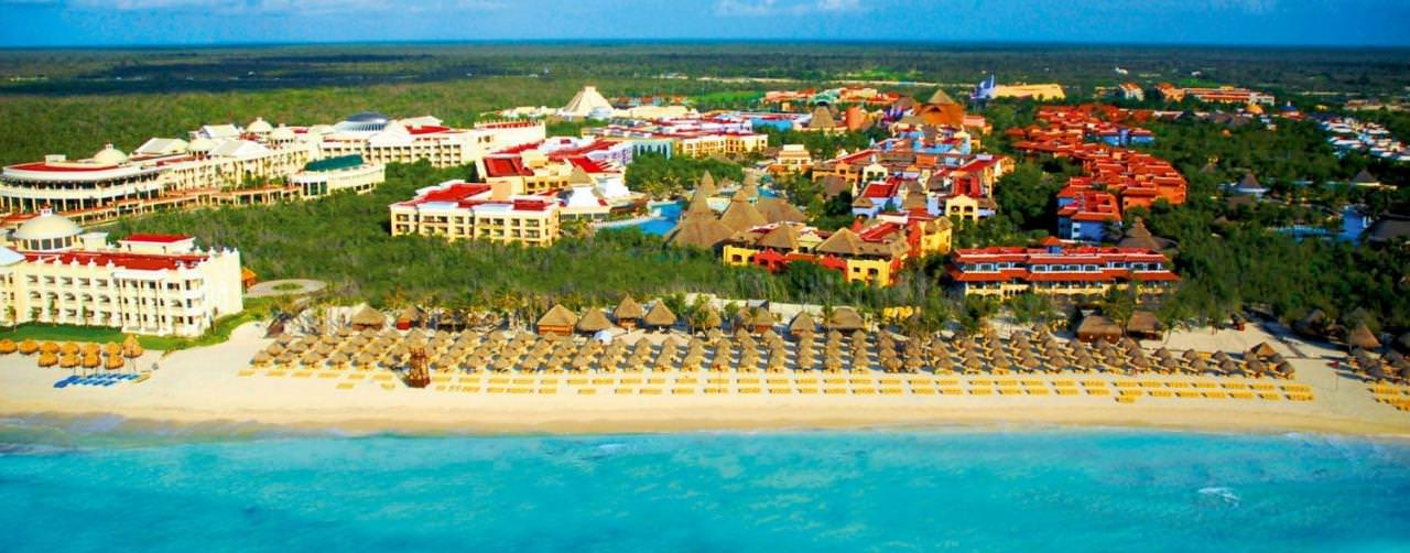 A rich Mayan history and impressive sandy white beaches make up Cancun, Mexico. Packed with a colorful history and brimming with authentic cuisine, Cancun is a great place to explore a new culture or simply slip away for rest and relaxation.