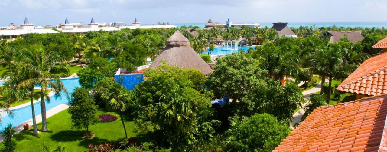 Riviera Maya Mexico Iberostar Paraiso Del Mar Amenities Courtyard Pool View