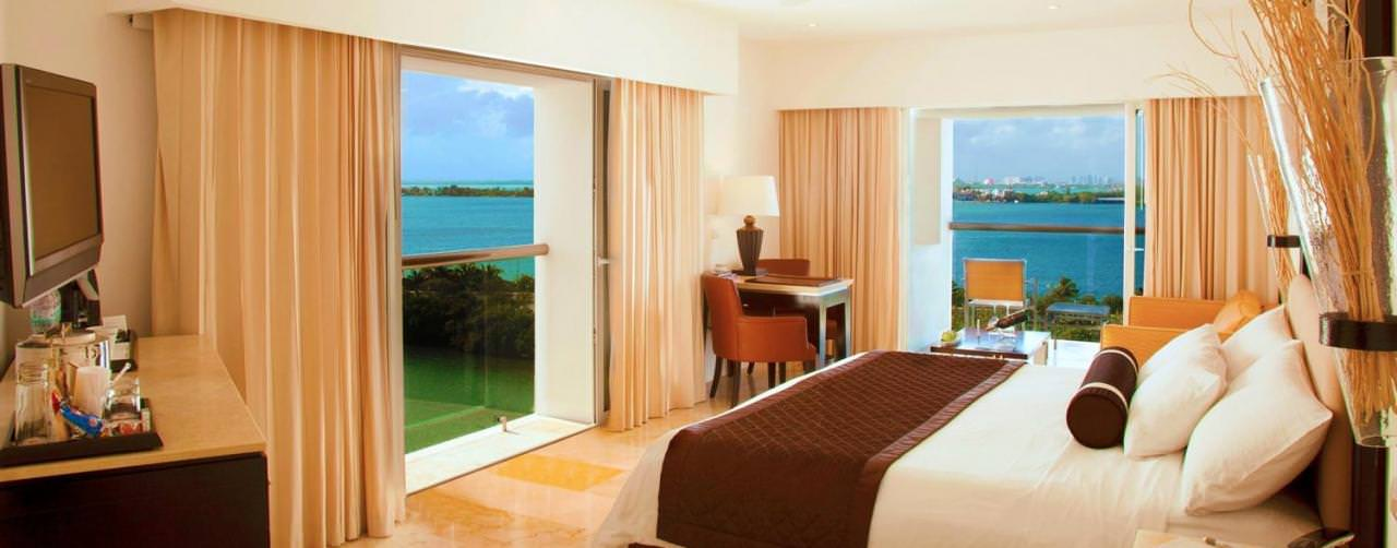 Room Junior Suite King Bed Ocean View Le Blanc Spa Resort Cancun Mexico