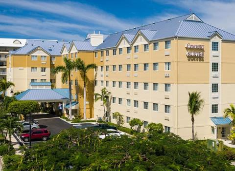 Comfort Suites, Seven Mile Beach