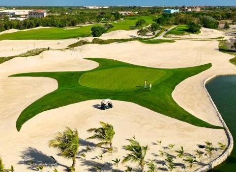 Competitive Golf Course At Iberostar Grand Hotel Bavaro Activities