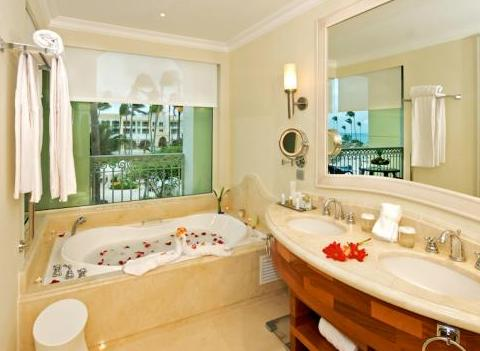 Iberostar Grand Hotel Bavaro Suite Bathroom