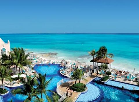 Riu Cancun Pool 1