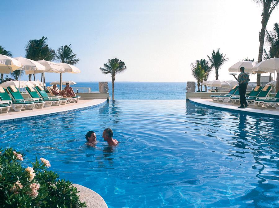 Hotel Riu Cancun All Inclusive Resort
