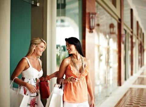 Shopping At Iberostar Grand Hotel Bavaro Amenities