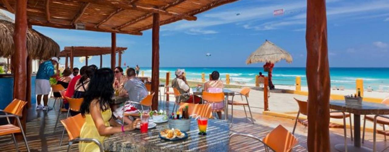Cancun Mexico Cunfaai D01 Fiesta Americana Condesa