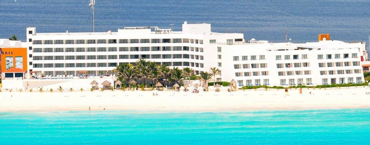 Flamingo Cancun Resort And Plaza Hotel