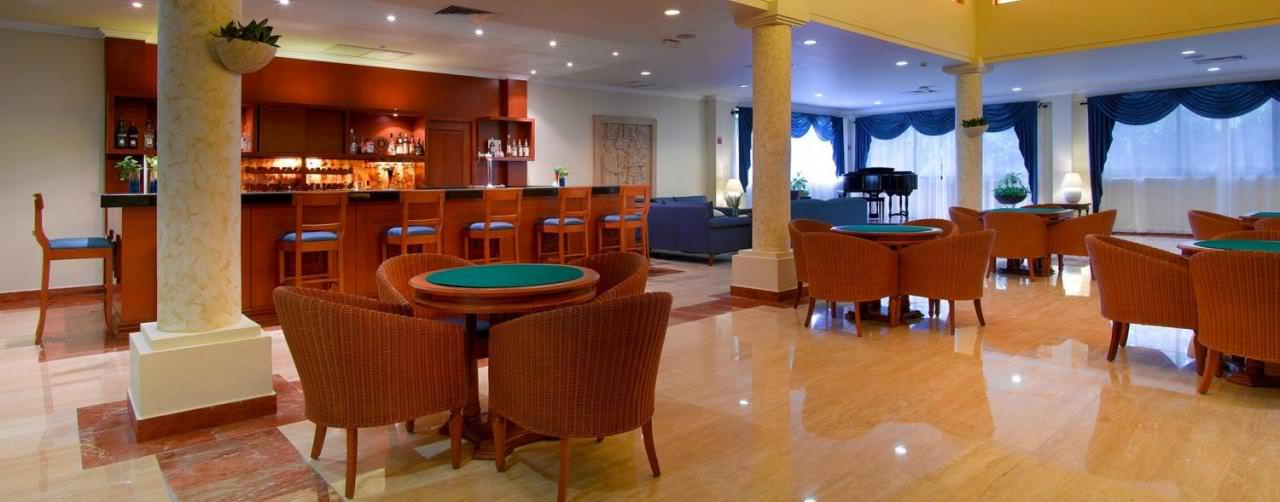 Grand Palladium Colonial Kantenah Riviera Maya Mexico Bar Hemingway