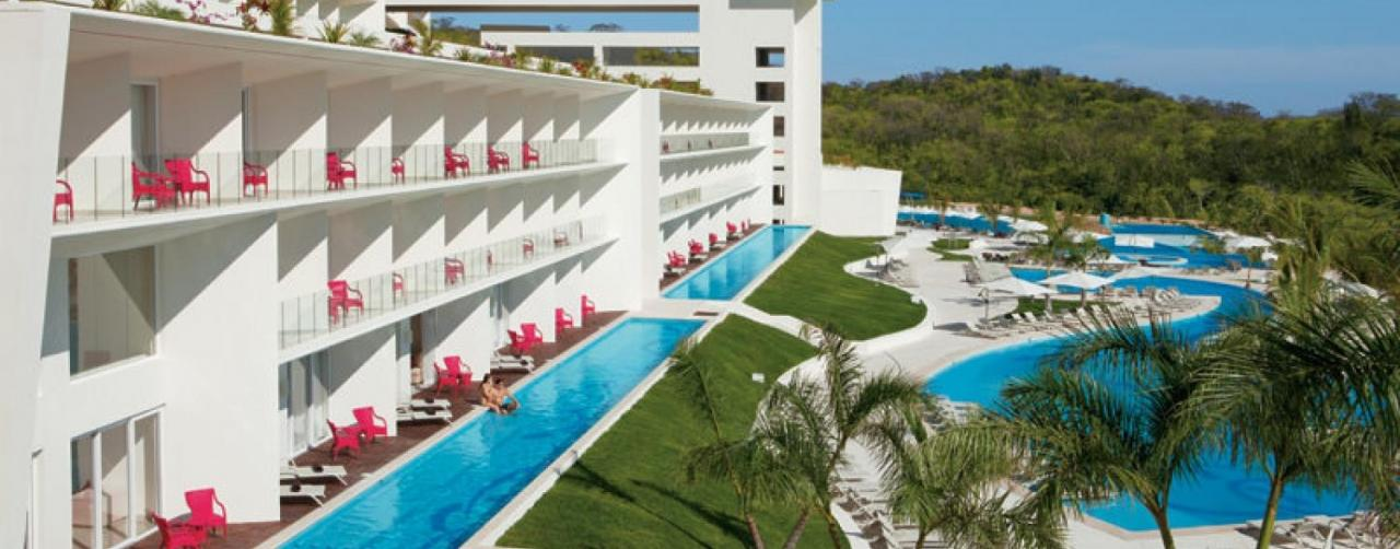 Huatulco Mexico Secrets Huatulco Resort Spa Sechu_poolsbuildings_panoramic_1