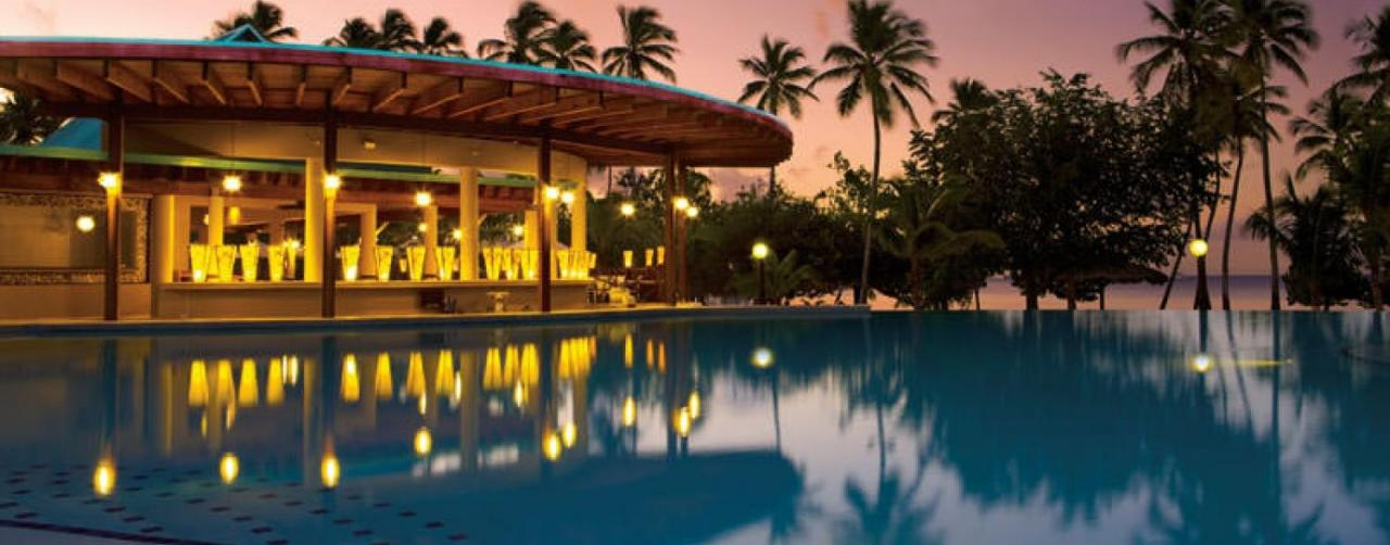 La Romana Dominican Republic Dreams La Romana Resort Spa Drelr_infinpool_night1