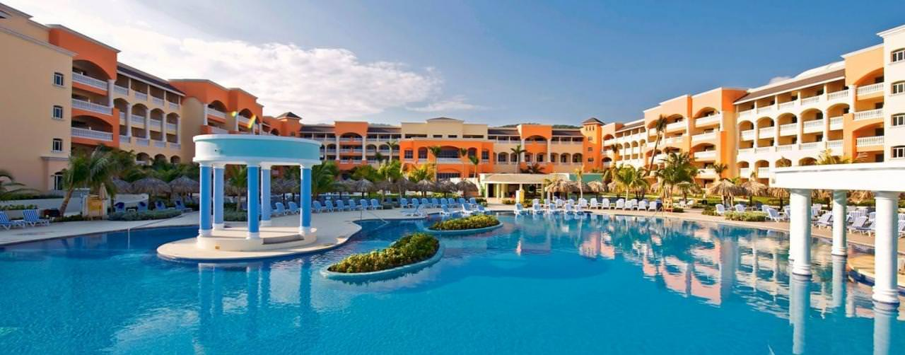 Montego Bay Jamaica Pool Jacuzi In Pool Courtyard Iberostar Rose Hall Suites