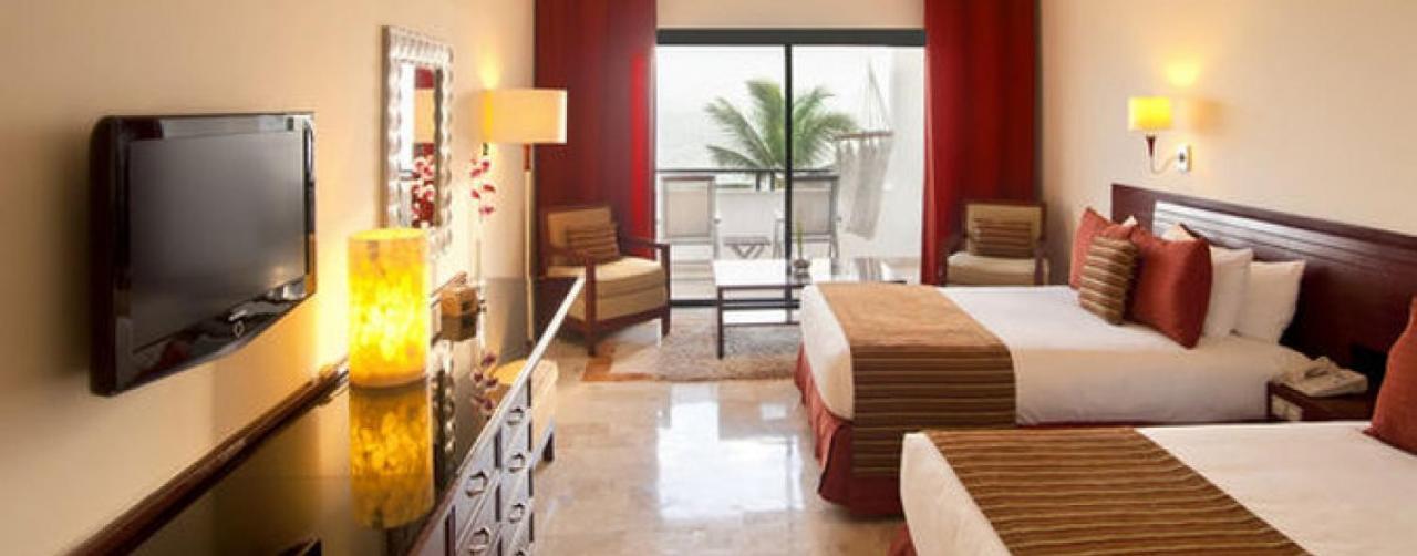 Melia Vacation Club Puerto Vallarta Family Room