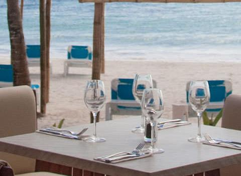Akumal Bay Beach Wellness Resort Restaurant