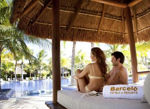 Barcelo Maya Palace Deluxe Pool 3