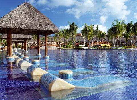 Barcelo Maya Palace Deluxe Pool