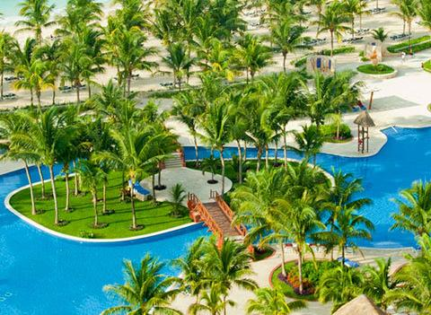 Barcelo Maya Tropical And Colonial Beach Pool 1