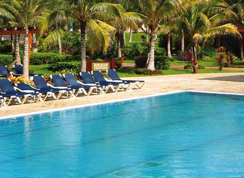 Barcelo Maya Tropical And Colonial Beach Pool 4