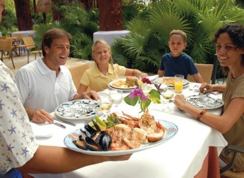 Family Meals At Iberostar Paraiso Maya Restaurant