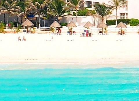 Flamingo Cancun Resort Plaza