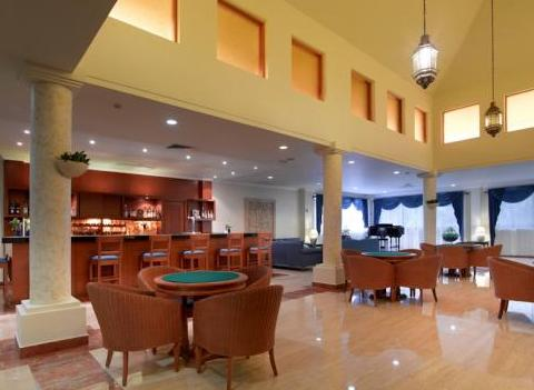 Grand Palladium Colonial Kantenah Bar 2