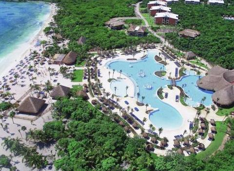 Grand Palladium Colonial Kantenah Pool