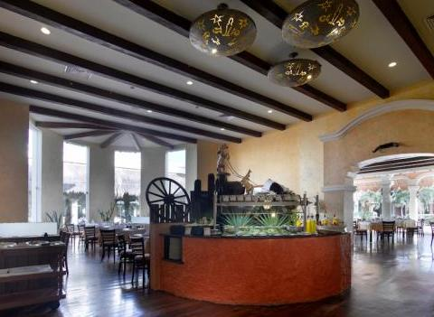 Grand Palladium Colonial Kantenah Restaurant 28