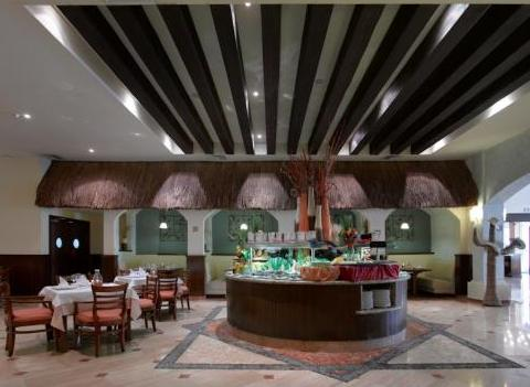 Grand Palladium Colonial Kantenah Restaurant 33