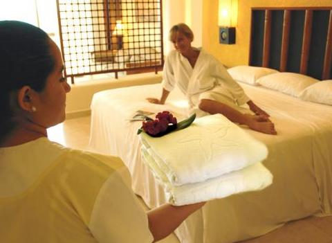 Iberostar Paraiso Maya Amenities Include Superb Service