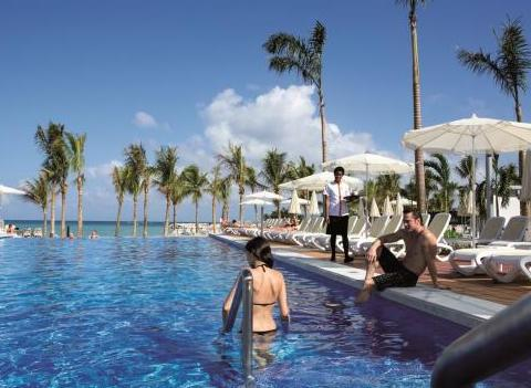 Pools Riu Palace Jamaica