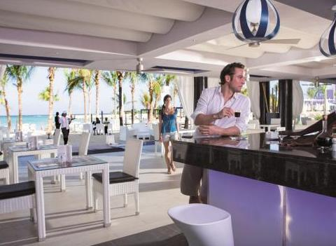 Riu Palace Jamaica Bar