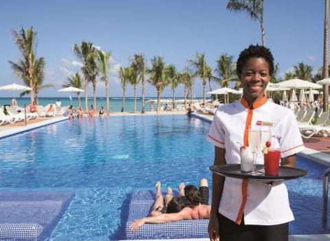 Riu Palace Jamaica Pool Wait Staff