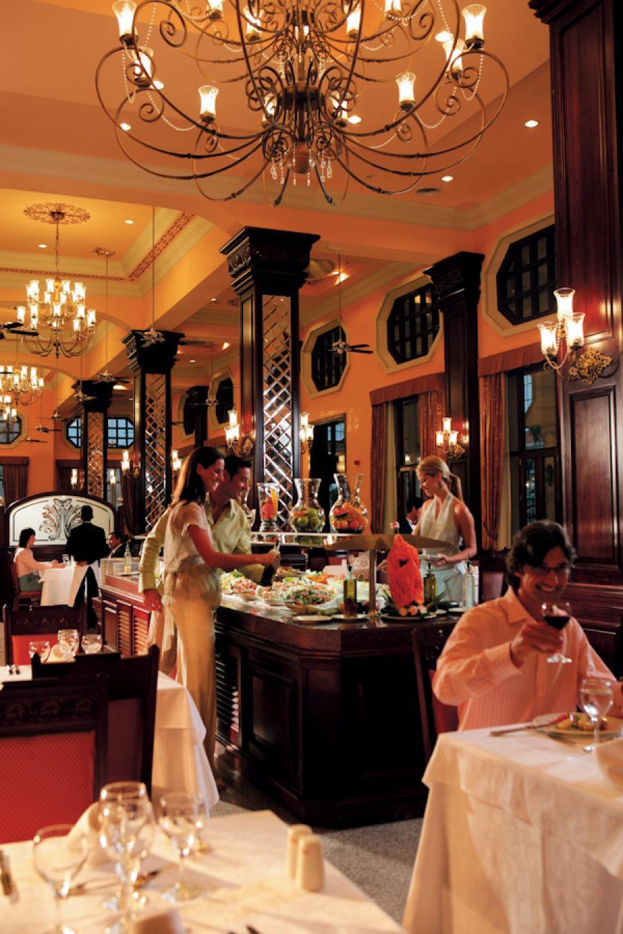 Riu Palace Riviera Maya Restaurant