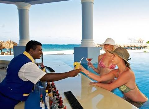 Rose Hall Iberostar Grand Pool Bar