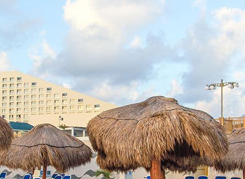 Seadust Cancun Family Resort Beach 1