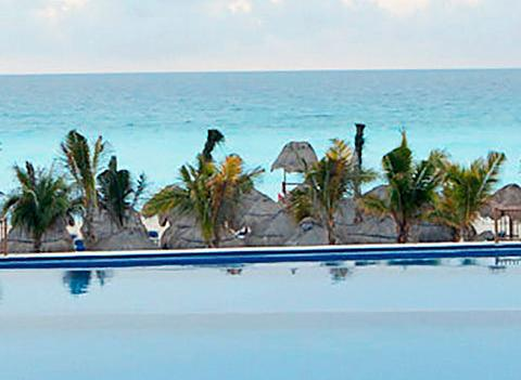 Seadust Cancun Family Resort Pool 5