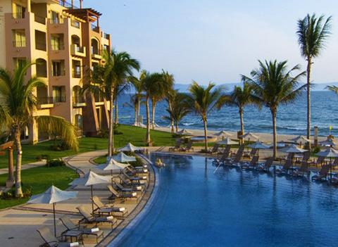 Villa La Estancia Beach Resort & Spa